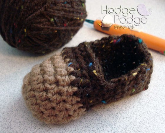 http://hodgepodgecrochet.wordpress.com/ Cheeky Monkey Booties