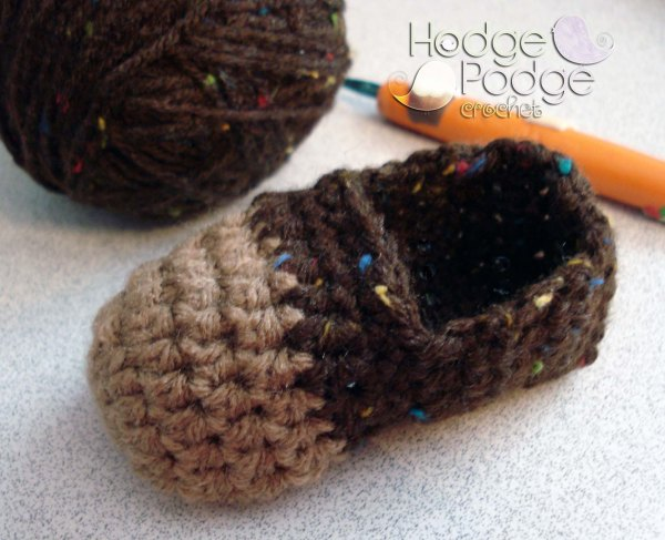https://hodgepodgecrochet.wordpress.com/ Cheeky Monkey Booties