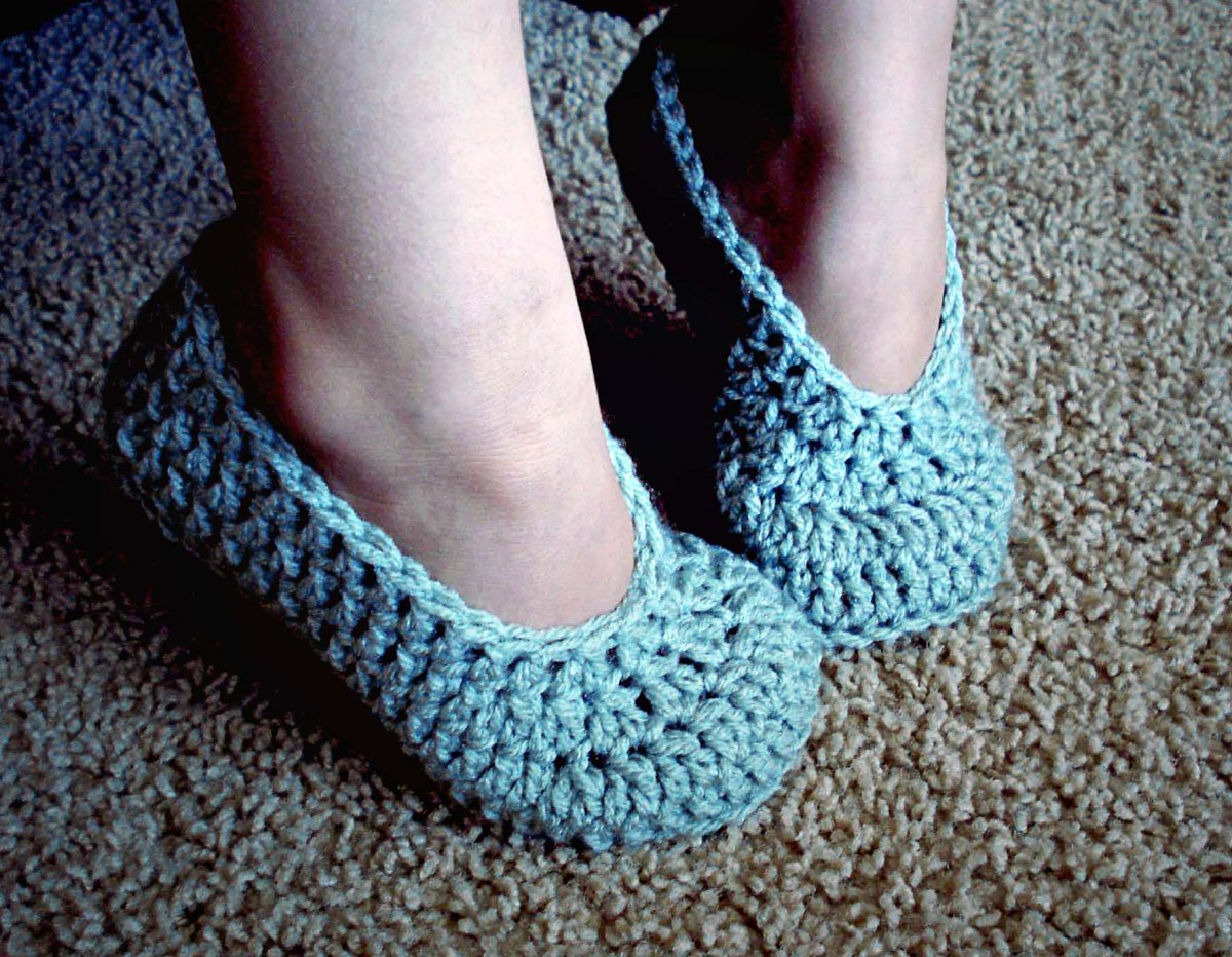 Free Crochet Patterns For Childrens Slipper Boots : Simple Child Slippers HodgePodge Crochet