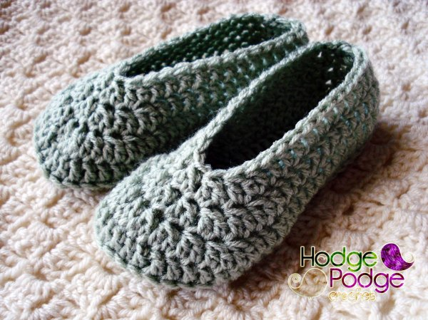 Free Crochet Pattern Easy Slippers : Simple Child Slippers HodgePodge Crochet