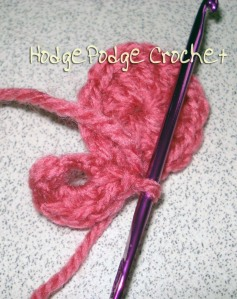 How to crochet a ball or a hackey sack : Join with a slip