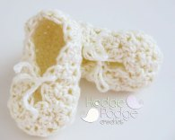 https://hodgepodgecrochet.wordpress.com Bumpy Baby Bootie