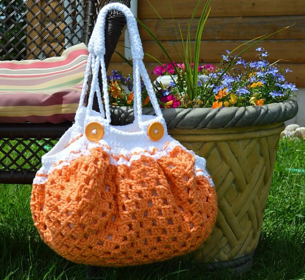 https://hodgepodgecrochet.wordpress.com HANDBAG ROUNDUP