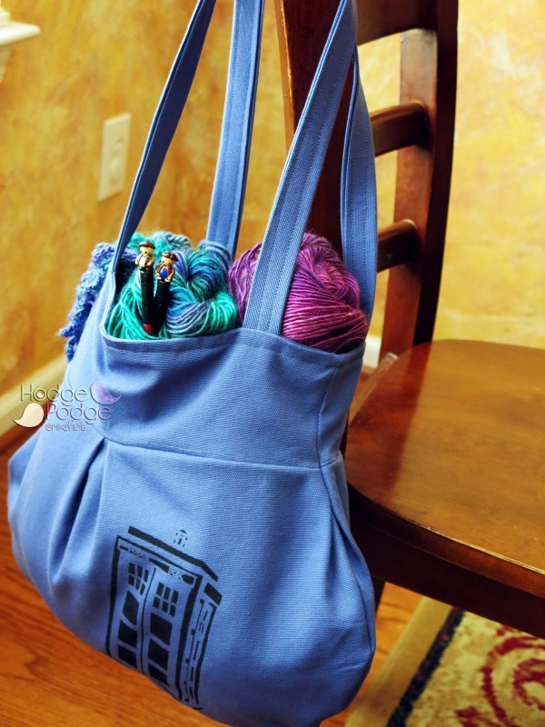 https://hodgepodgecrochet.wordpress.com Doctor Who TARDIS handbag DIY