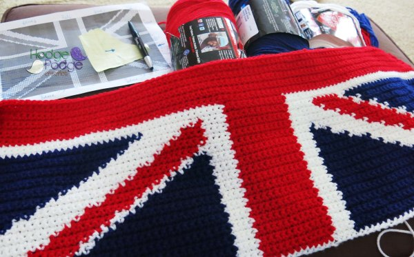 hodgepodgecrochet.wordpress.com Union Jack Pillow Graph