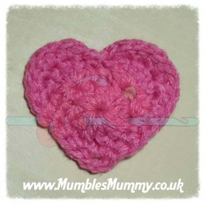 https://hodgepodgecrochet.wordpress.com :: Valentine Roundup :: Mumbles Mummy